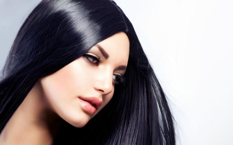 3 motivi per amare i capelli lisci